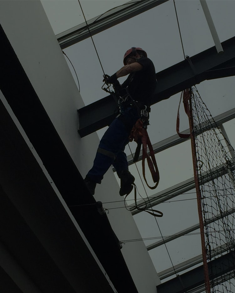 Building-Maintenance-abseiling-1